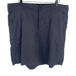 L.L. Bean Women's Dark Gray Lightweight Outdoor Cargo Shorts size 18